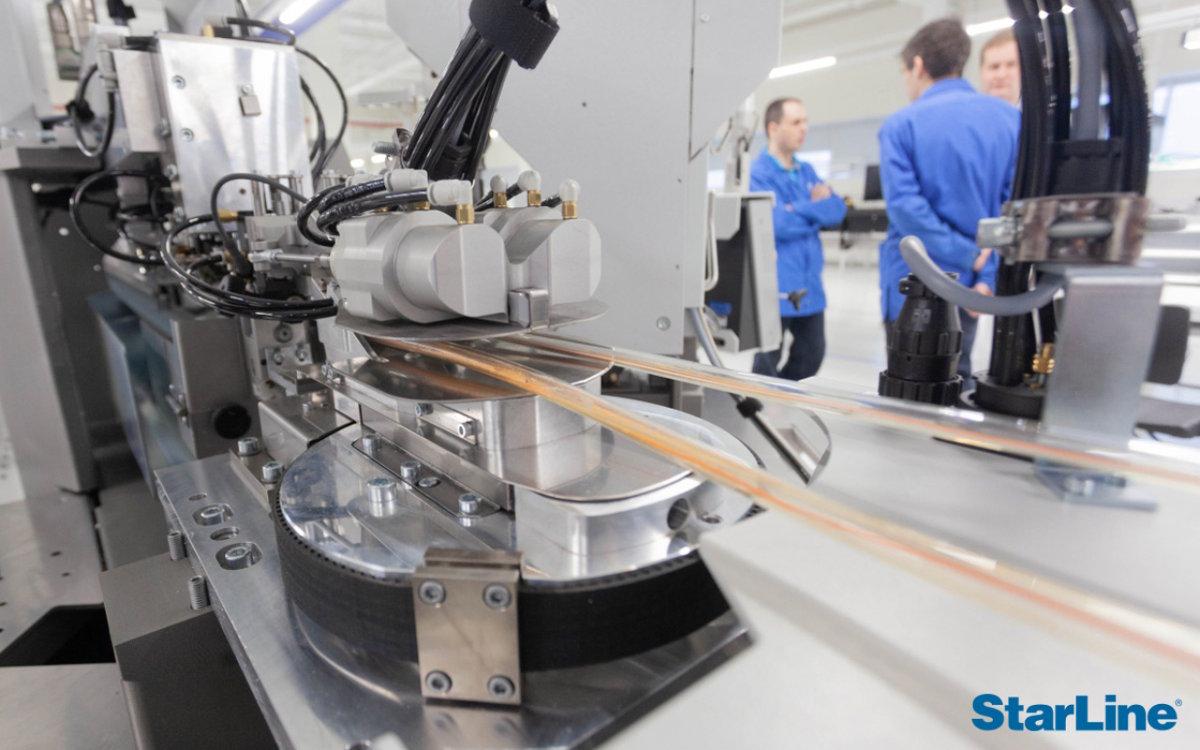 Роботов для сборки кабелей в НПО СтарЛайн стало больше